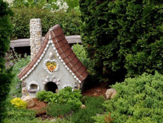 tiny-house-pixabay-2000holmes-326x245.jpg